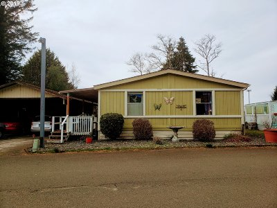 Coos Bay Single Family Home For Sale: 450 Shorepines Ave