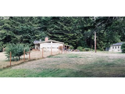 Gold Beach OR Single Family Home For Sale: $443,000