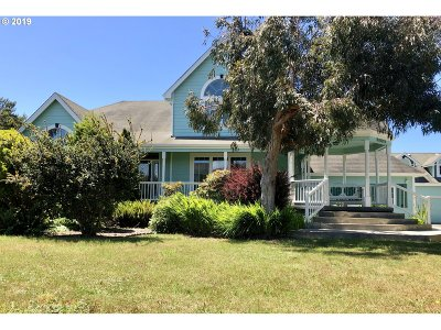 Bandon Single Family Home For Sale: 3020 Grant Pl