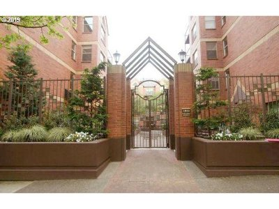 Condo/Townhouse For Sale: 1500 SW Park Ave #315