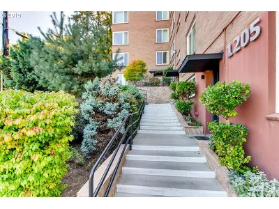 Portland Condo/Townhouse For Sale: 1205 SW Cardinell Dr #306