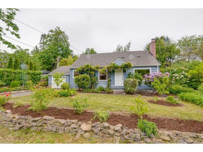 Portland Single Family Home For Sale: 3640 SW 91st Ave