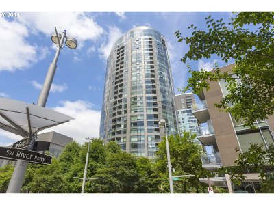 Portland Condo/Townhouse For Sale: 3601 SW River Pkwy #1404