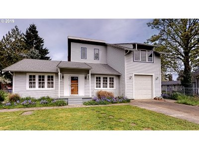 Portland Single Family Home For Sale: 5855 NE Going St