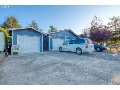 Coos Bay Single Family Home For Sale: 955/965 Webster #2