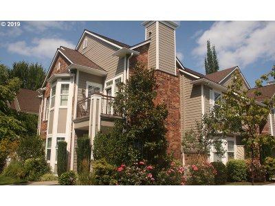 Hillsboro Condo/Townhouse For Sale: 1231 NE Horizon Loop #210