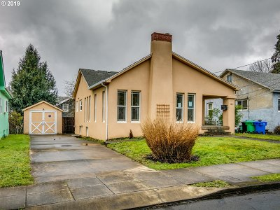 Portland Single Family Home For Sale: 1931 SE 58th Ave