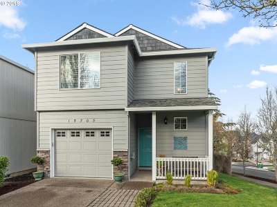 Beaverton Single Family Home For Sale: 15703 SW Redstone Dr