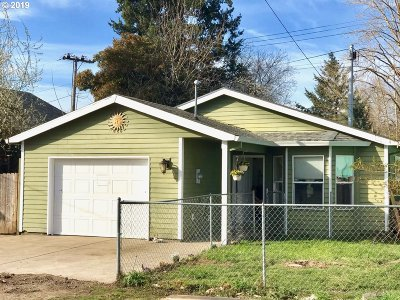 Portland Single Family Home For Sale: 6211 N Mears St