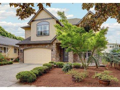 Clackamas County, Multnomah County, Washington County Multi Family Home For Sale: 1828 SE Main St