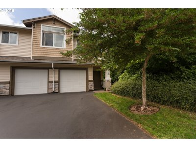 Beaverton Condo/Townhouse For Sale: 14840 SW Sandhill Loop #204