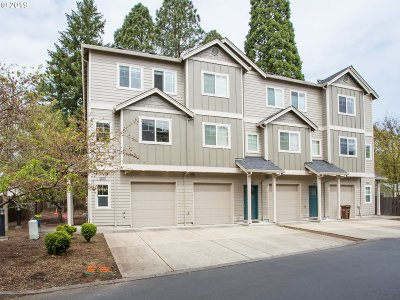 Beaverton Condo/Townhouse For Sale: 10359 SW Hollyridge Ln
