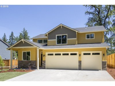 Estacada Single Family Home For Sale: 1490 NE Sawyer Ln