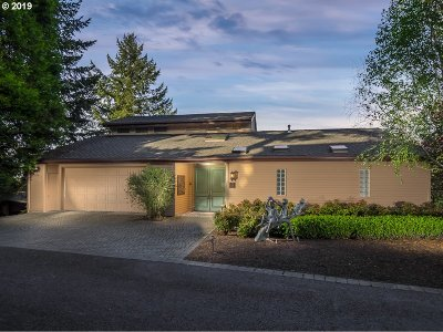 Lake Oswego Single Family Home For Sale: 2 Grouse Ter