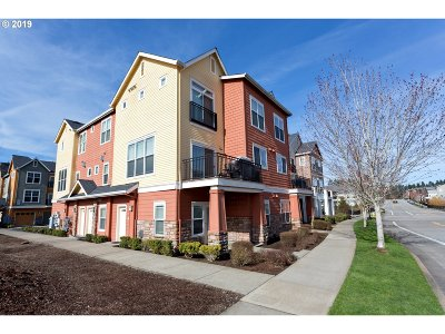 Hillsboro Condo/Townhouse For Sale: 102 NW Canvasback Way #102