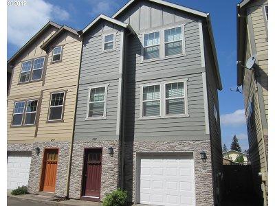 Portland Single Family Home For Sale: 4767 SE 121st Pl