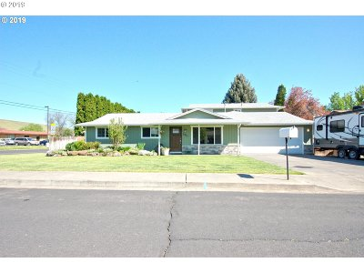 Umatilla County Single Family Home For Sale: 4311 SW Runnion Ct