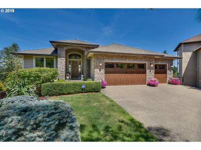 Clackamas County Single Family Home For Sale: 15149 SE Saint Andrews Ct