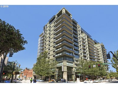 Portland Condo/Townhouse For Sale: 1025 NW Couch St #1112