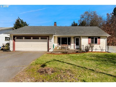 Milwaukie, Gladstone Single Family Home For Sale: 1225 Windsor Dr