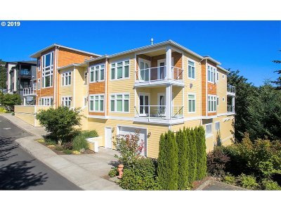 Multnomah County Condo/Townhouse For Sale: 3010 NW Montara Loop