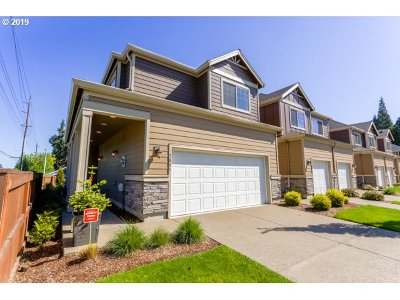 Hillsboro Condo/Townhouse For Sale: 7801 NE Caitlin St