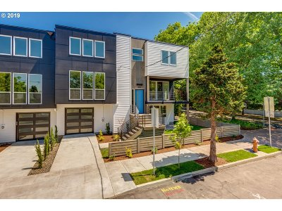 Single Family Home For Sale: 490 SE 18th Ave