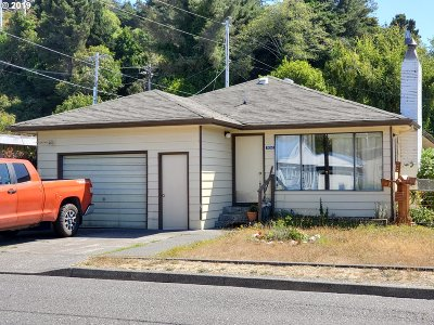 Gold Beach Single Family Home For Sale: 94260 Sixth St