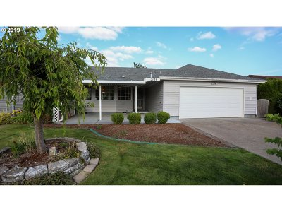 Woodburn Single Family Home For Sale: 2136 Lilac Way
