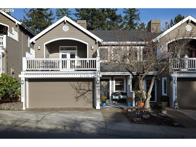 West Linn Single Family Home For Sale: 3027 Club House Ct