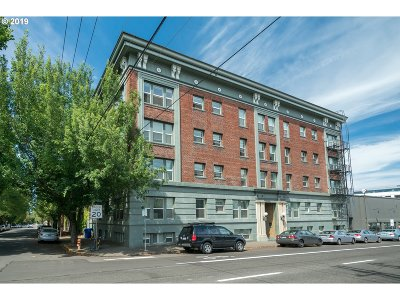 Portland Condo/Townhouse For Sale: 1631 NW Everett St #101