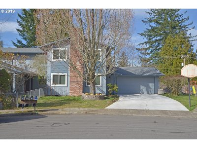 Multnomah County Single Family Home For Sale: 3055 SW 15th Ct