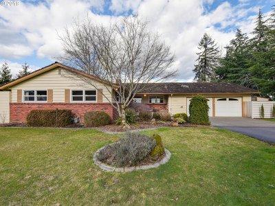 Milwaukie Single Family Home For Sale: 14462 SE Vista Ln