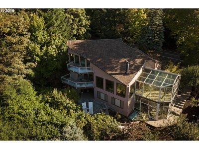 Single Family Home For Sale: 3129 NE Rocky Butte Rd