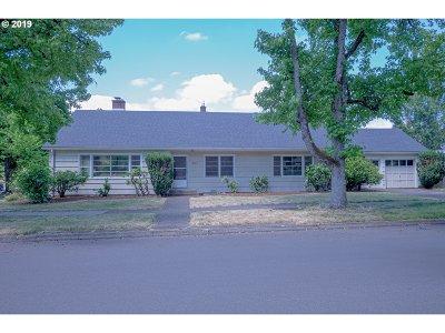 Eugene Single Family Home For Sale: 2290 Harris St