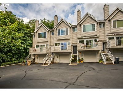 Lake Oswego Condo/Townhouse For Sale: 13 Erasmus St