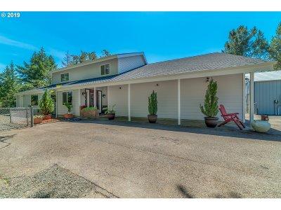 Roseburg OR Single Family Home For Sale: $715,000