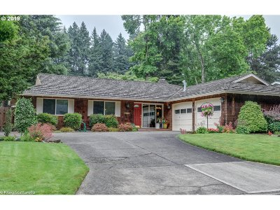 Tualatin Single Family Home For Sale: 17880 SW Cheyenne Way