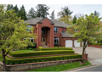 Lake Oswego Single Family Home For Sale: 17389 Bergis Farm Dr