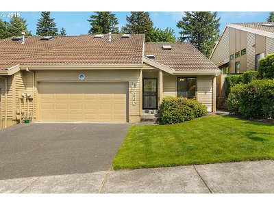 Single Family Home For Sale: 7960 SW Connemara Ter