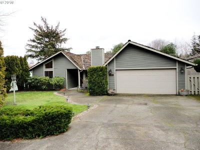 Coos Bay Single Family Home For Sale: 815 Seabreeze Tr