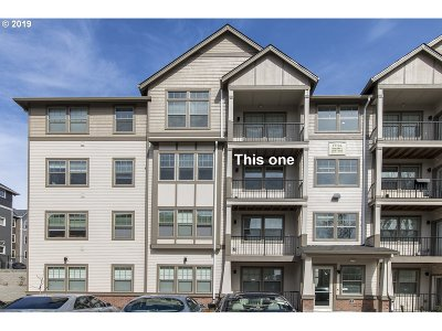 Beaverton Condo/Townhouse For Sale: 17043 SW Appledale Rd #304
