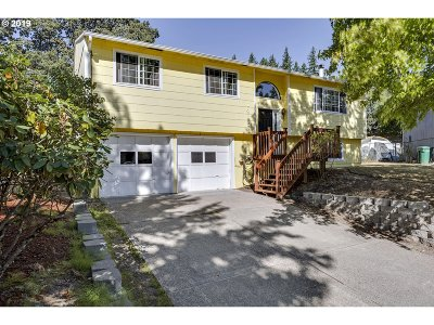 Clackamas OR Single Family Home For Sale: $398,500