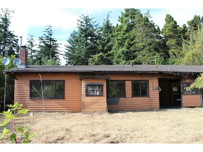 Single Family Home For Auction: 43218 N Hwy 101