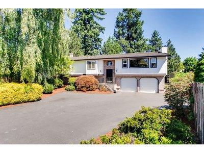 Aloha Single Family Home For Sale: 4715 SW 183rd Ct