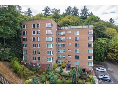 Portland Condo/Townhouse For Sale: 1205 SW Cardinell Dr #305