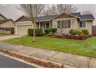 Newberg, Dundee, Lafayette Single Family Home For Sale: 334 NE Airpark Way
