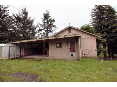 Coos Bay Single Family Home For Sale: 634 E St
