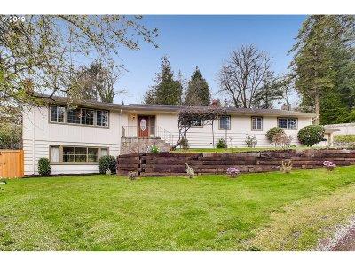 Portland Single Family Home For Sale: 7210 SW Stephen Ln