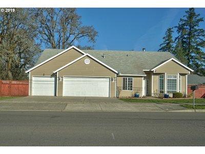 Hillsboro Single Family Home For Sale: 6421 SE Lois St